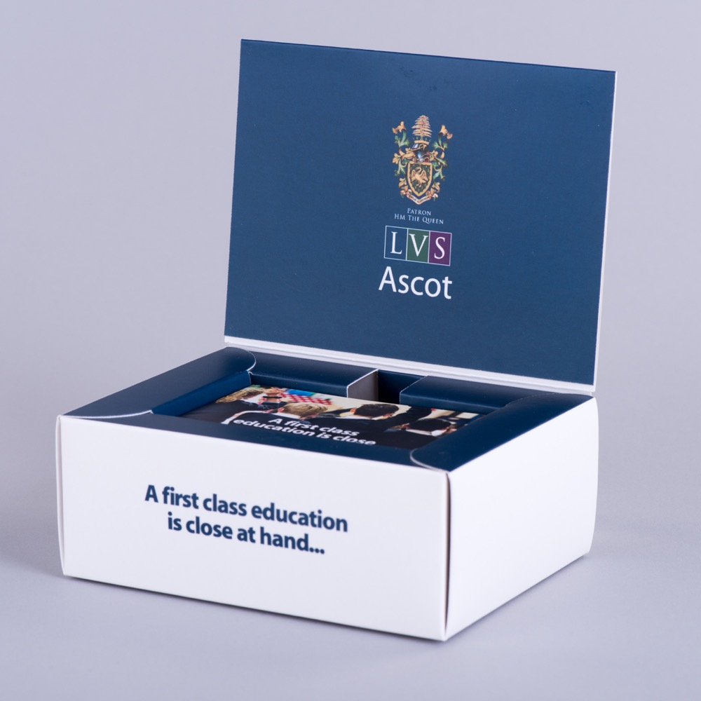 Hinged Lid presentation box to hold membership card