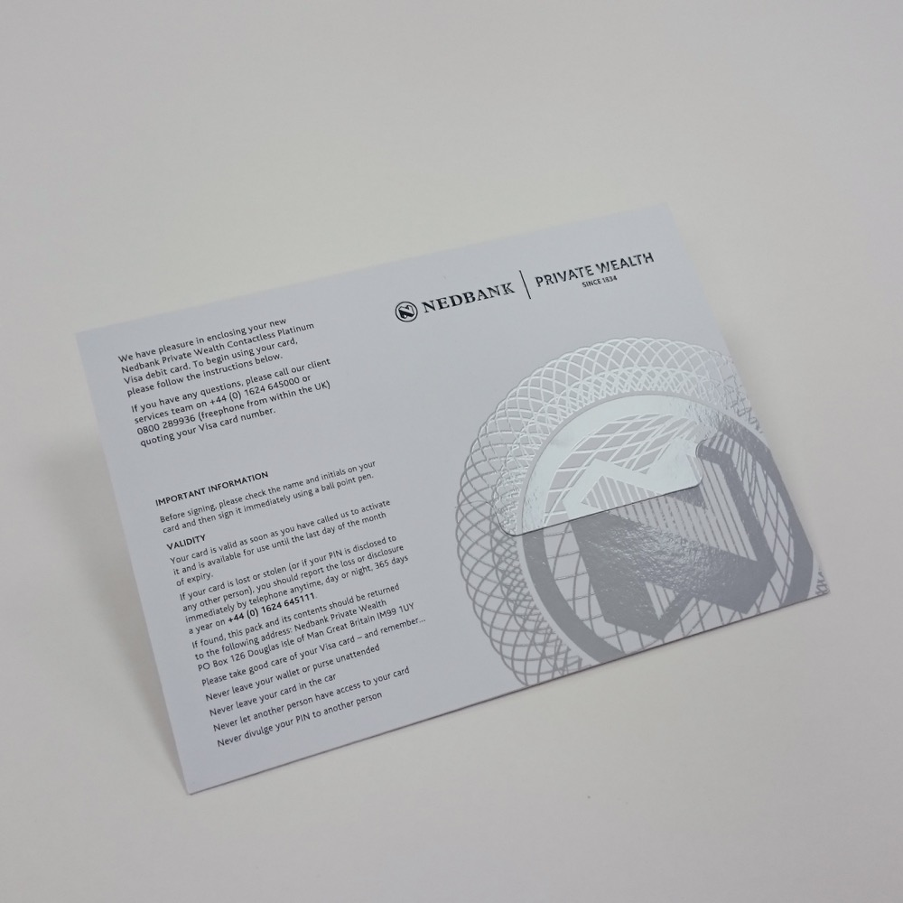 Simple credit card presentation packaging