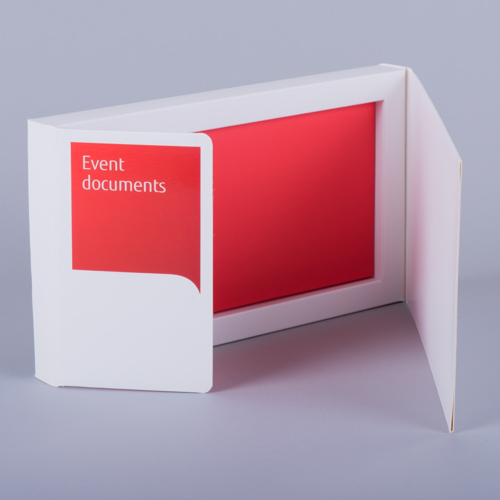 Curved double flap promotional box with magnets